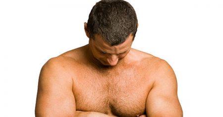تورم الثدي عند الرجال : تعرف على الأسباب وطرق العلاج